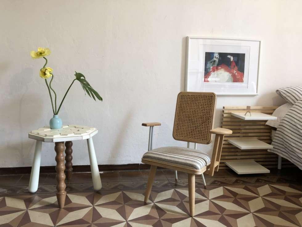Der Hersteller PileUp Life bietet ein Tisch und Stuhlsystem, bei dem der Kunde individuell die einzelnen Komponenten miteinander kombinieren kann. Foto: www.pileuplife.com